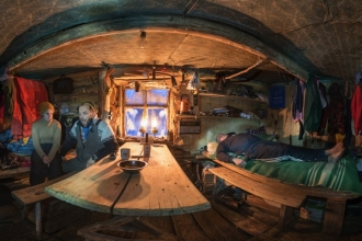 Oleg Hut 360 degrees